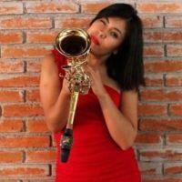 """""""Ser mujer, oaxaqueña y músico, es complejo pero quiero continuar. No me rindo"""": María Elena Ríos."""